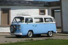 VW Camper Van (Blue)